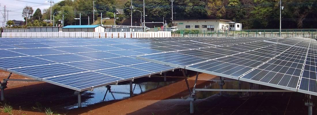 特定電気事業者の大規模な太陽光発電パネル